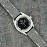 Pre-Owned Universal Geneve by Analog Shift Pre-Owned Universal Genever Polerouter