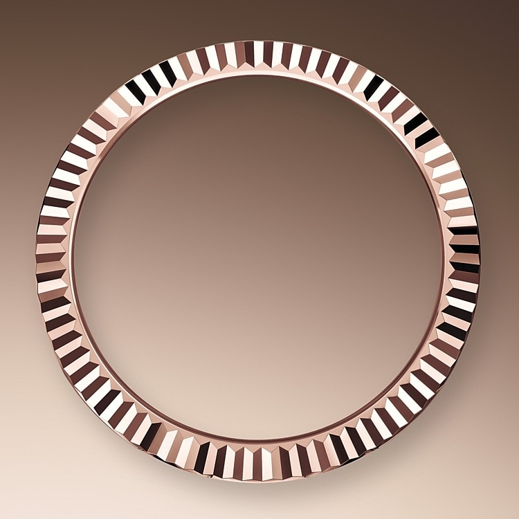 THE FLUTED BEZEL
